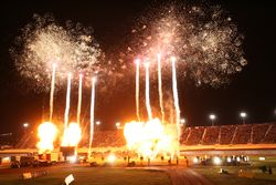 Concert, Fireworks and Huge Midway Add to Fan Experience at PEAK Motor Oil World of Outlaws World Finals Presented by NAPA Auto Parts